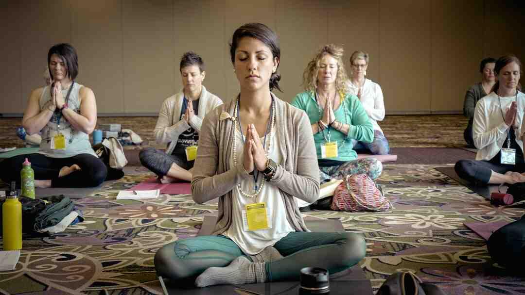 Comment choisir une tenue pour faire du yoga